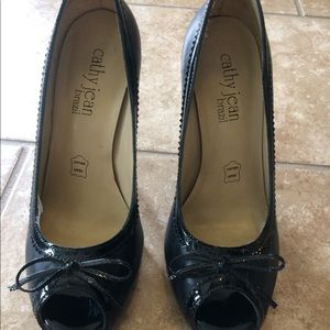 Cathy Jean, black, open toe heels!